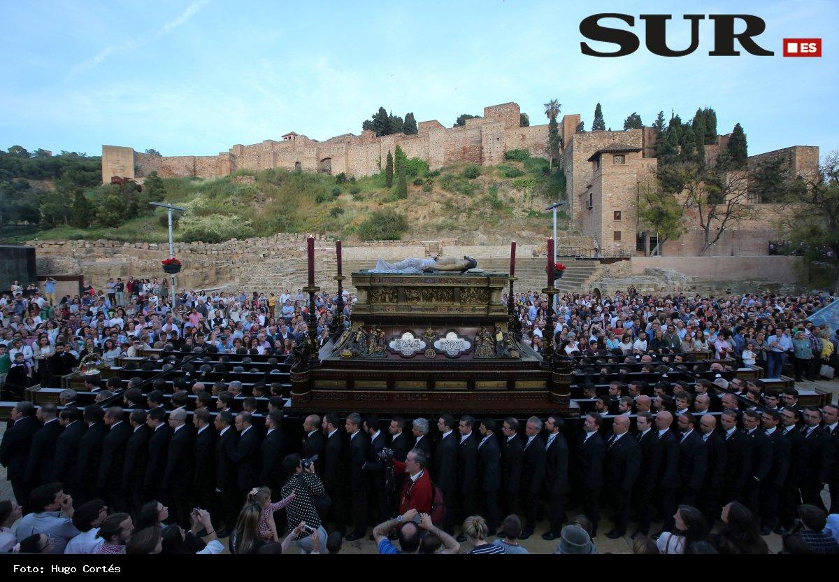 Descárgate en alta resolución la foto del Sepulcro durante el Viernes Santo de 2017
